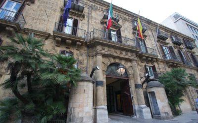 No, 355 nuovi assessori in Sicilia non ci servono. E se servono, se li paghi da sola